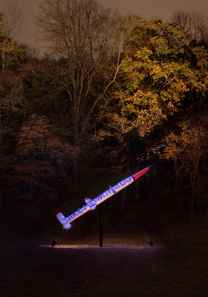 Hand-blown and coloured neon tubes on missile 220 x 320 cm (missile)